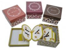 Caja de regalo con tarjeta desplegable x unidad