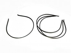 Vincha metálica forrada en seda fría negra 0.5 cm